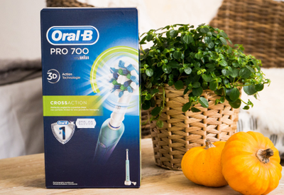 Oral-B Pro 700 CrossAction